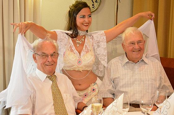 40 Jahre KWA Parkstift St. Ulrich in Bad Krozingen - mit orientalischem Tanz von Mirjam Jauch-Pleuer und zwei Ehrengästen, die einst die Weichen für das Wohnstift mit gestellt haben.