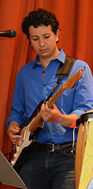 An der Gitarre: Hugo.