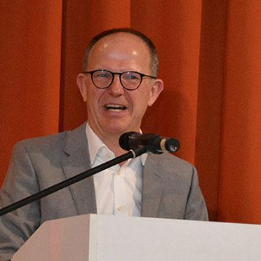 Am Rednerpult: KWA Vorstand Dr. Stefan Arend.